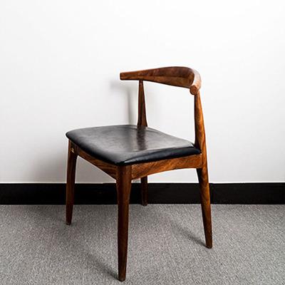 胡桃木牛角椅