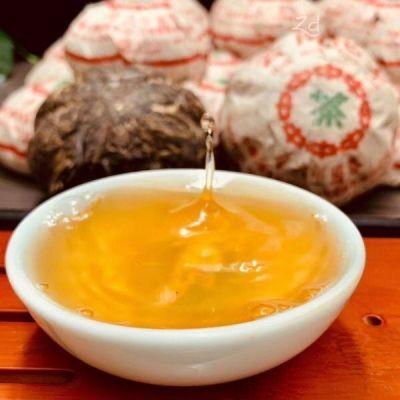 金瓜贡茶(中茶牌):96年绿印该茶外型端正,条索紧结,油润一口料