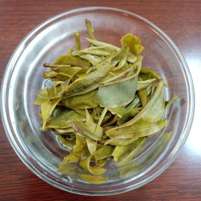 2019年,普洱第一批古普生茶,手工制茶。