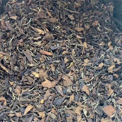 2009 经典梅子香老白茶, 煮着喝每一口都追溯到味蕾,量不多。