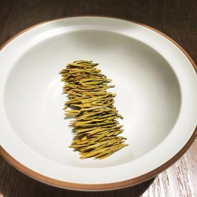 实拍(2020新茶)AAAAA特级开园头采黄金芽茶叶明前白茶绿茶多规格