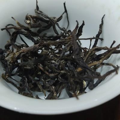 新茶热卖易武普洱生茶秋茶古树纯料手工制作原产地直销400g袋装