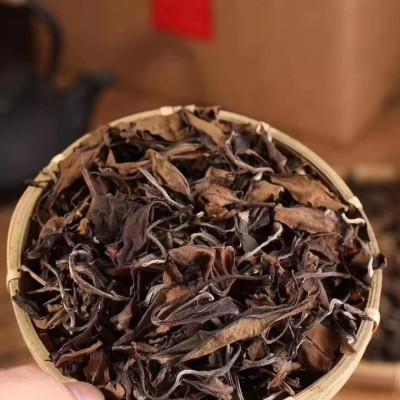 古树老白茶,开汤后,香气扑鼻 ,汤质饱满,滋味顺滑、甘甜!