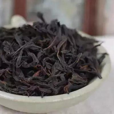 老枞水仙含有丰富有果胶,茶汤清澈透亮,入口绵柔悠香底蕴十足冲泡15冲