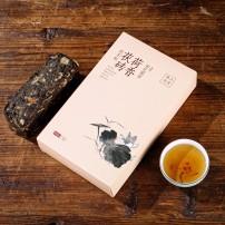 安化黑茶,荷香茯砖1000克,色泽黄褐,香气纯正,汤色黄红,滋味醇和