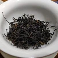 九曲红梅,龙井红茶。龙井发酵而成