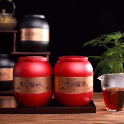 """""""茶化石""""是一种品质上乘的普洱茶古树熟茶,故名""""茶化石""""。一罐一斤!"""