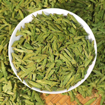 一盒一斤!西湖龙井「浓香」正宗明前龙井茶,颜色鲜绿,条形清爽,芽头肥壮
