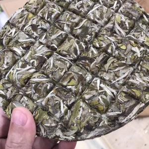 2019牡丹王格子饼、一饼150克