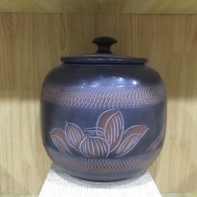 云南建水紫陶浮雕茶叶罐包邮。