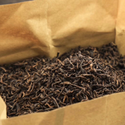 珍藏普洱茶,宫廷普洱金芽一斤木盒装 一套一斤190元