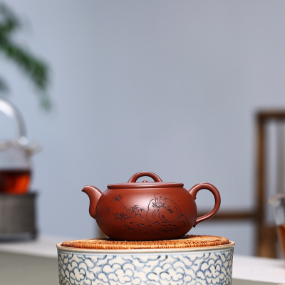 茶从口中入,道至心间生。【 静 悟 】泥料:家藏原矿底槽青.300cc