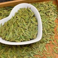 2021新茶龙井,外形扁平光滑,色泽黄绿鲜润,滋味鲜醇甘爽