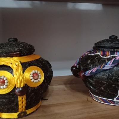 用普洱茶制作茶壶  里面可以放各种茶   外观漂亮 具有民族特色