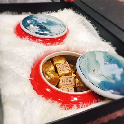 安化黑茶 罐装黑茶 一盒两罐 送礼 礼品包装 红色 手提袋