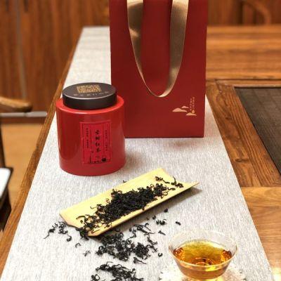 滇红之中的高端红茶!以独特的外观及香气而著称。说不出的故事情怀,