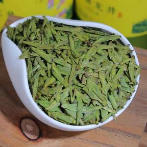 明前新茶龙井黄版豆香250克罐装