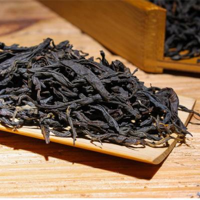 云南凤庆滇红茶口粮茶500克 一芽二叶红茶曲条工夫红茶滇红茶叶礼盒包装