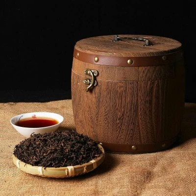 2015年的陈香宫廷普洱熟茶木桶装500克/桶