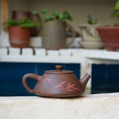 云南建水紫陶茶壶