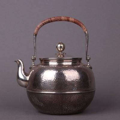 日本银器尺寸:壶D17×H20容量:1300ml克重:630g