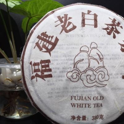 (静芝茶香)2012年高山老白茶1饼380克,这款茶枣香中还夹杂药香