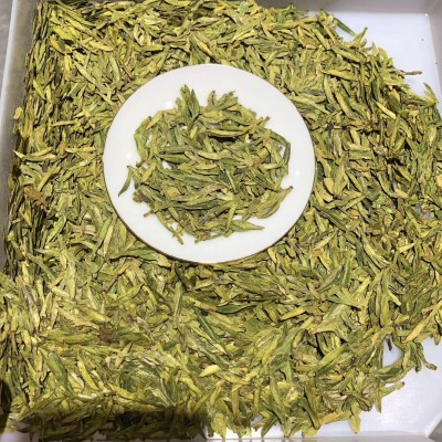 2020年头采明前龙井150克售 龙井茶扁平光滑挺直,色泽嫩绿光