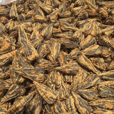 宝塔滇红选用云南凤庆早春单芽红茶,全手工编织而成的功夫红茶,形如宝塔