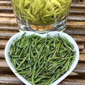 2020年明前小米芽雀舌,色泽翠绿、滋味鲜爽不涩、清香四溢,茶底饱满