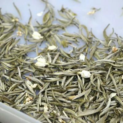 最高等级茉莉针王精选优质春茶茶坯,五窖一提工艺,条形肥壮,香气浓郁持